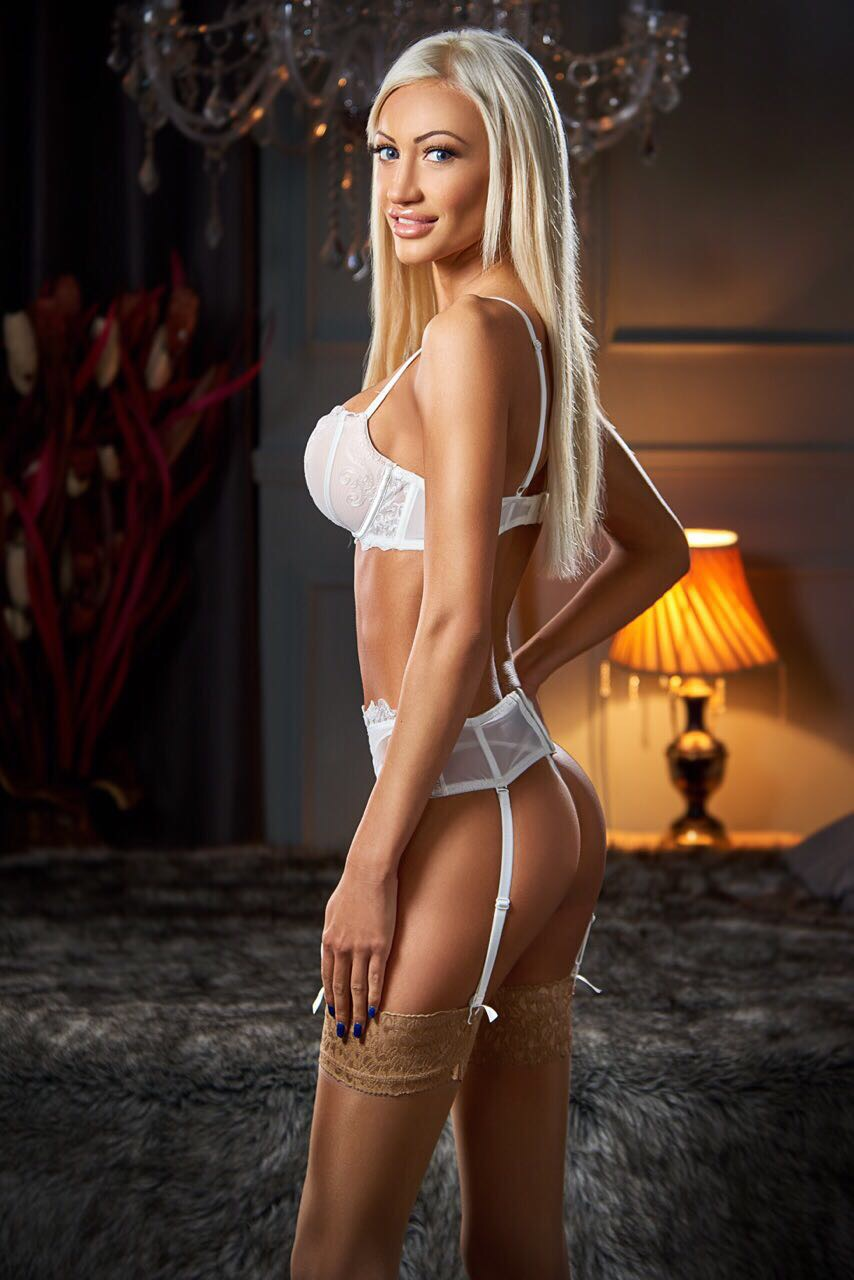 Featured Credit Card AGENCY Escort Listing