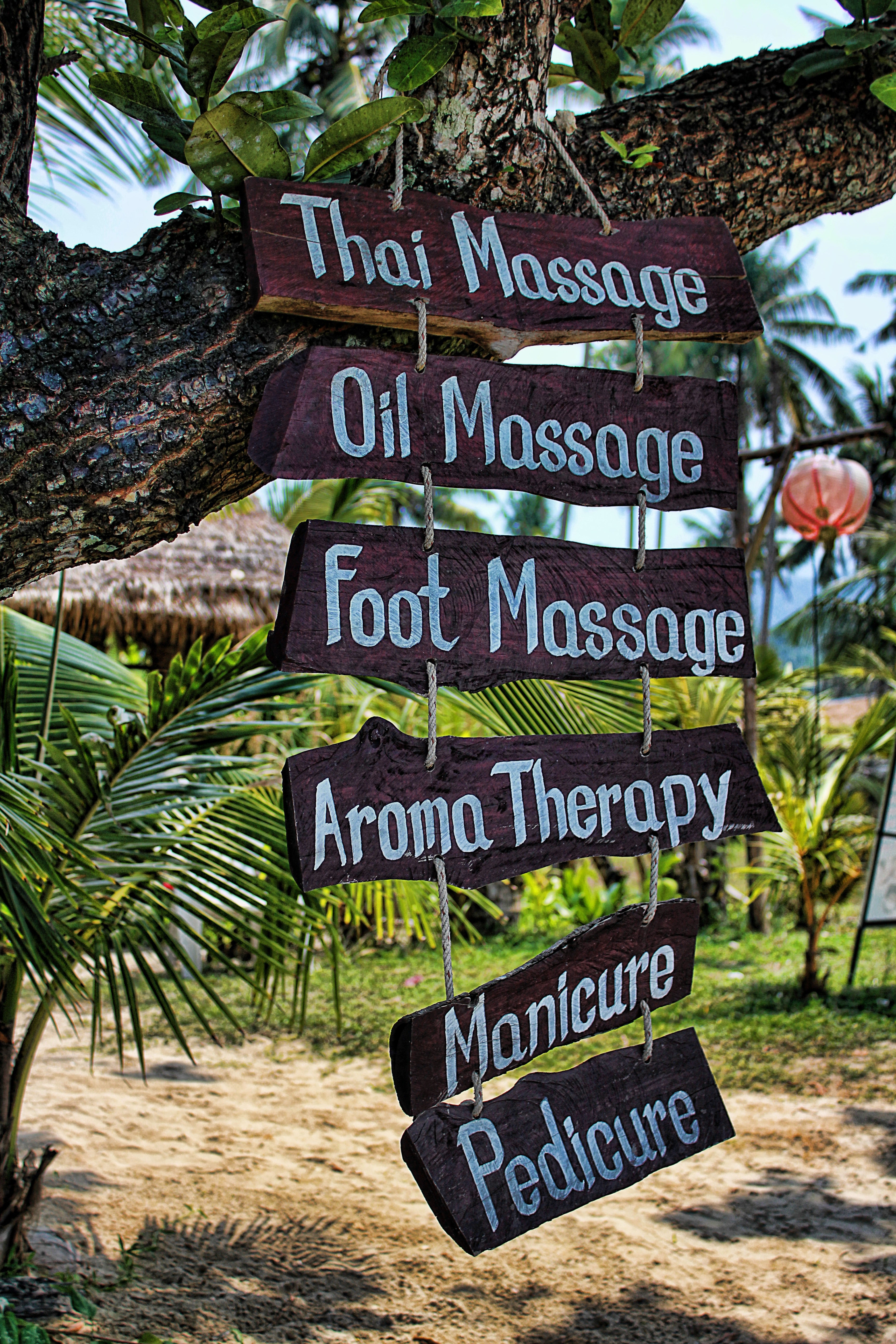 What are types of massages provided by Asian masseuse?